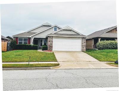 Broken Arrow Single Family Home For Sale: 2216 E Elmira Street