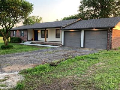 Okmulgee Single Family Home For Sale: 9645 Hwy 52