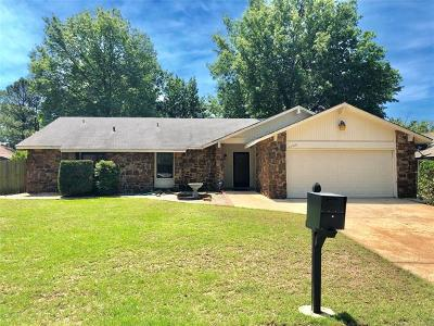 Broken Arrow OK Single Family Home For Sale: $159,950
