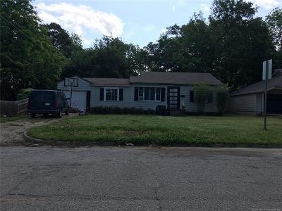 Ada Single Family Home For Sale: 1304 S Oak Street