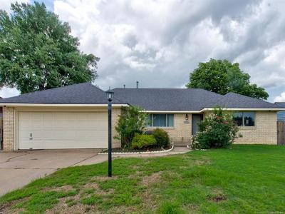 Broken Arrow Single Family Home For Sale: 722 W Vandever Court