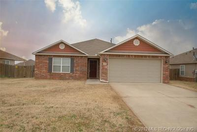 Broken Arrow OK Single Family Home For Sale: $159,900