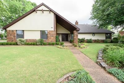 Broken Arrow Single Family Home For Sale: 8401 S Fairway Place E