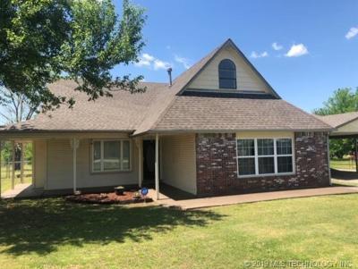 Inola Single Family Home For Sale: 24 Roping Street