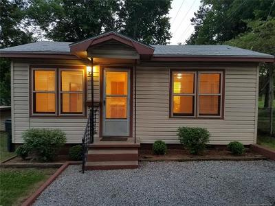 Claremore Single Family Home For Sale: 1617 W School Street