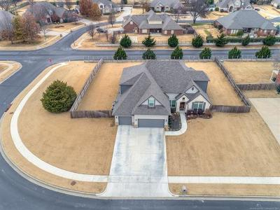 Owasso Single Family Home For Sale: 9501 N 139th Court E