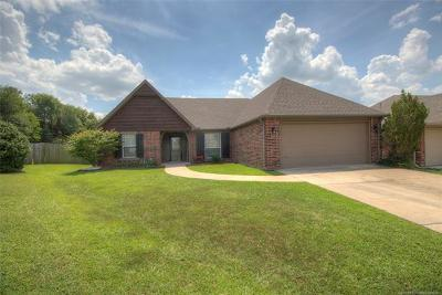 Owasso Single Family Home For Sale: 9806 E 110th Place North