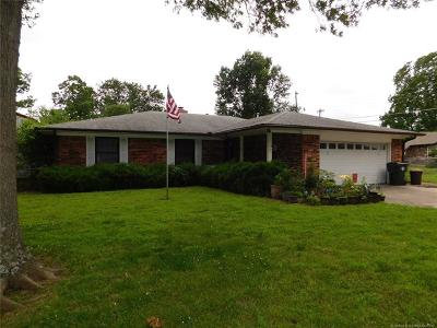 Muskogee Single Family Home For Sale: 2430 Coburn Circle