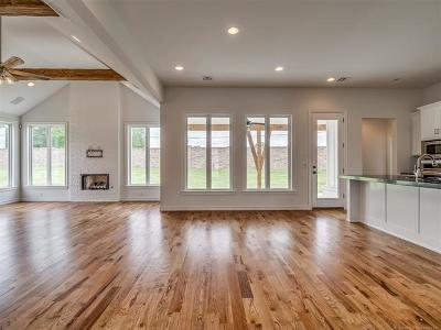 Broken Arrow Single Family Home For Sale: 7203 S Aspen Avenue