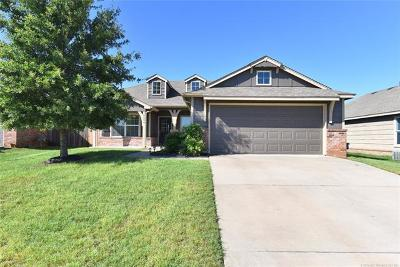 Jenks Single Family Home For Sale: 10504 S Olmsted Place