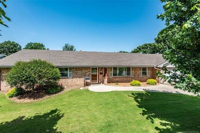 Bartlesville Single Family Home For Sale: 1401 Lariat Drive