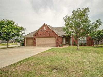 Owasso Single Family Home For Sale: 12801 E 69th Street North