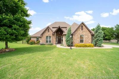 Owasso Single Family Home For Sale: 18808 E Crooked Oak Drive