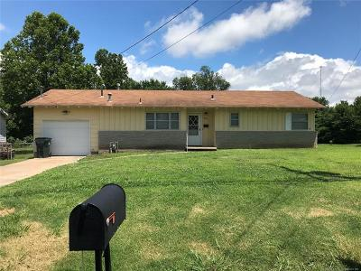 Collinsville Single Family Home For Sale: 621 S 13th Street