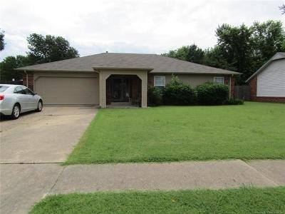 Owasso Single Family Home For Sale: 8219 N 122nd Avenue