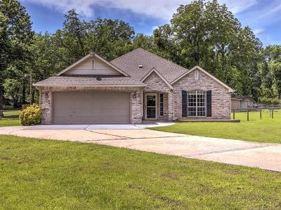 Claremore Single Family Home For Sale: 24225 S Lindley Drive