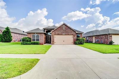 Coweta Single Family Home For Sale: 26910 E 142nd Place S