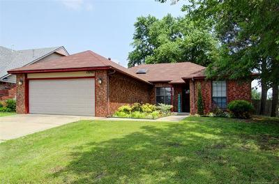 Glenpool Single Family Home For Sale: 13797 S Oak Place
