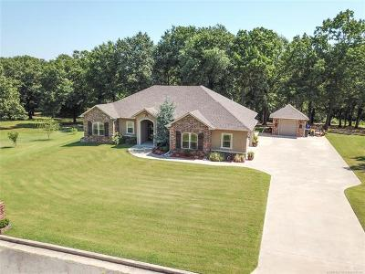 Stigler Single Family Home For Sale: 1400 N Country Ridge Drive