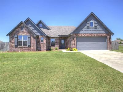 Bartlesville Single Family Home For Sale: 5304 Charleston Drive