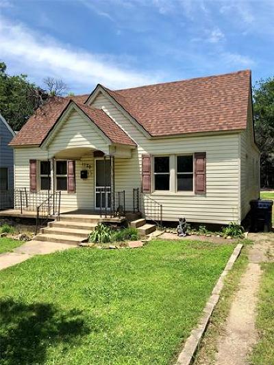 Single Family Home For Sale: 1120 E 8th Street