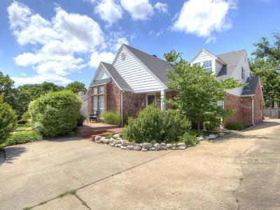 Tulsa Single Family Home For Sale: 1425 E 21st Street