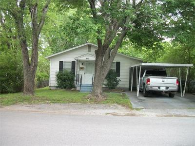 Claremore Single Family Home For Sale: 910 N Oklahoma Avenue