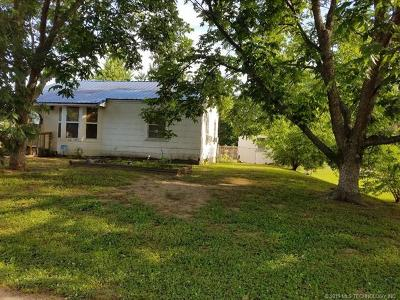 Okmulgee County Single Family Home For Sale: 202 Scott Street