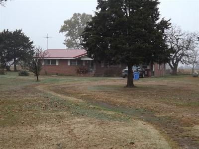 Sallisaw Single Family Home For Sale: 102284 Hwy 59 Highway