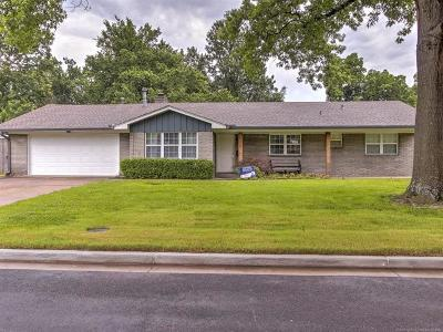 Tulsa Single Family Home For Sale: 4161 S New Haven Place