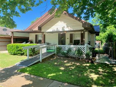 Ada Single Family Home For Sale: 1027 S Highschool Street