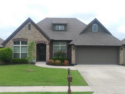 Broken Arrow Single Family Home For Sale: 3019 W Mobile Place