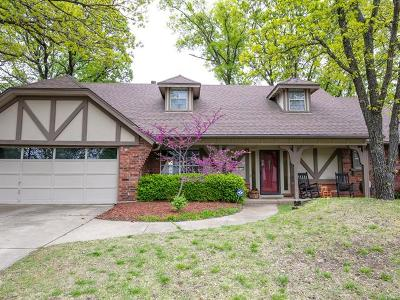 Tulsa Single Family Home For Sale: 8319 S Indianapolis Place