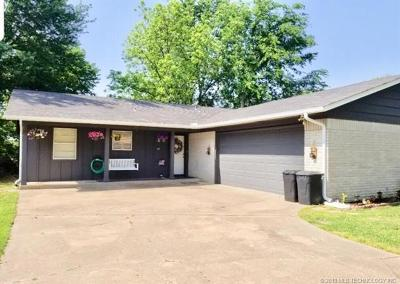 Rogers County, Mayes County, Tulsa County Single Family Home For Sale: 105 E Kent Street