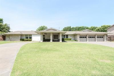 Rogers County, Mayes County, Tulsa County Single Family Home For Sale: 5936 S Indianapolis Avenue