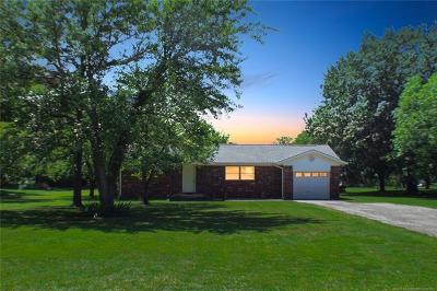 Rogers County, Mayes County, Tulsa County Single Family Home For Sale: 1303 N Delaware Street