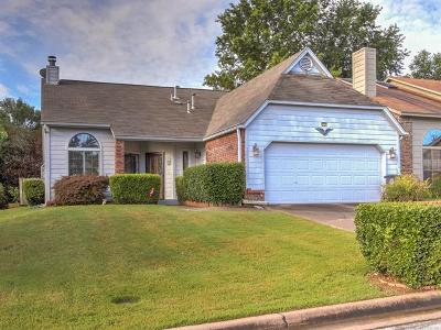 Rogers County, Mayes County, Tulsa County Single Family Home For Sale: 9124 E 87th Place
