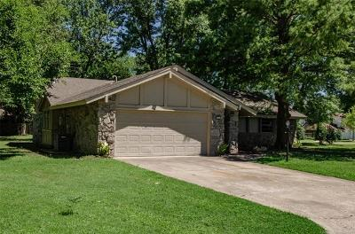 Rogers County, Mayes County, Tulsa County Single Family Home For Sale: 713 Magnolia Court