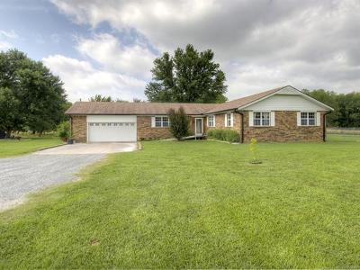Pryor Single Family Home For Sale: 235 N 429 Road