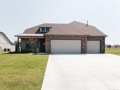 Tulsa Single Family Home For Sale: 8705 S Quanah Avenue W