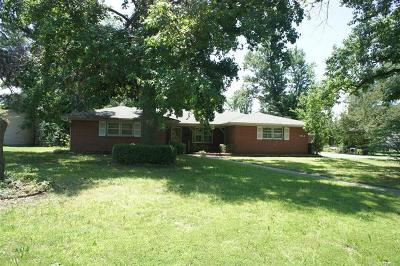 Okmulgee County Single Family Home For Sale: 1834 E 10th Street