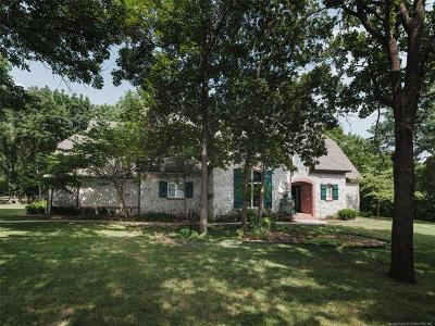 Owasso Single Family Home For Sale: 9939 N Dover Place