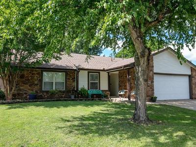 Owasso Single Family Home For Sale: 10706 E 98th Street North