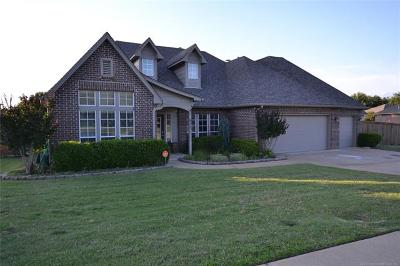 Sand Springs Single Family Home For Sale: 611 W 38th Street