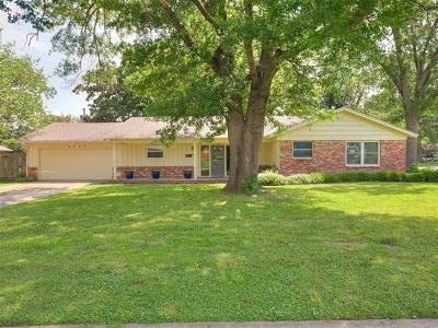 Tulsa Single Family Home For Sale: 5747 S Louisville Avenue
