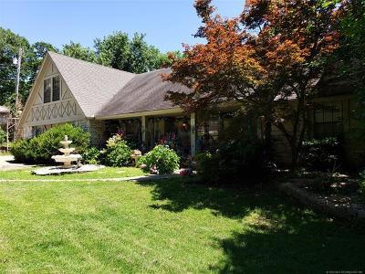 Tulsa Single Family Home For Sale: 3902 E 101st Street