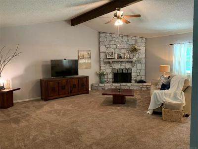 Tulsa County Single Family Home For Sale: 2928 W 68th Street