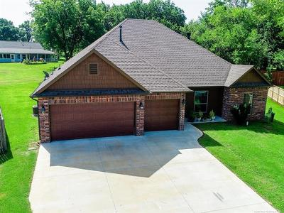 Sand Springs Single Family Home For Sale: 3517 S Walnut Creek Place