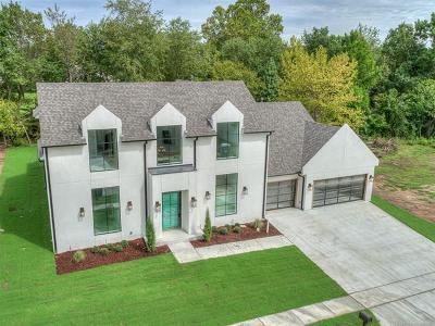 Single Family Home For Sale: 7501 S Chestnut Avenue