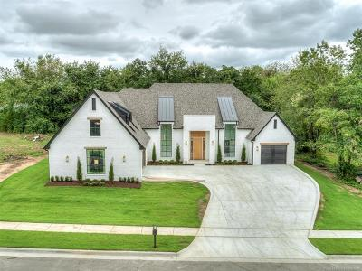 Single Family Home For Sale: 7409 S Chestnut Avenue